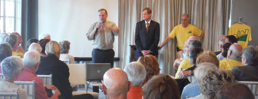 Mayor Bob Filner presenting plans for Plaza de Panama to the Bankers Hill Residents Group